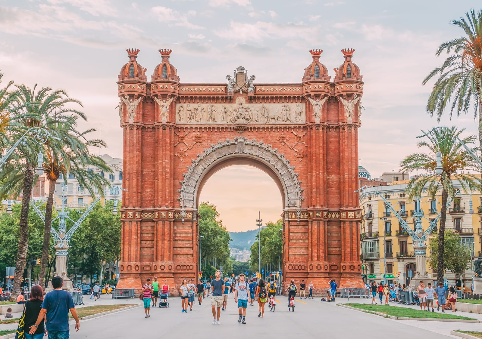 25 Best Things To Do In Barcelona, Spain (7)