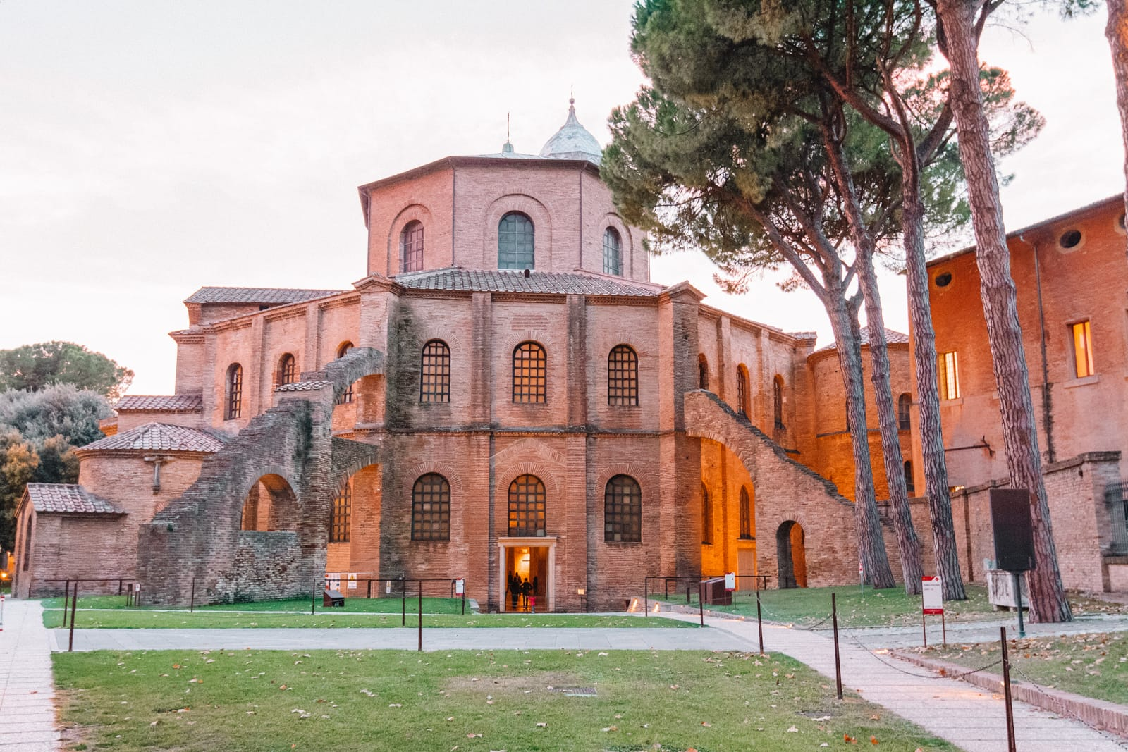 14 Best Things to do in Ravenna, Italy (2)