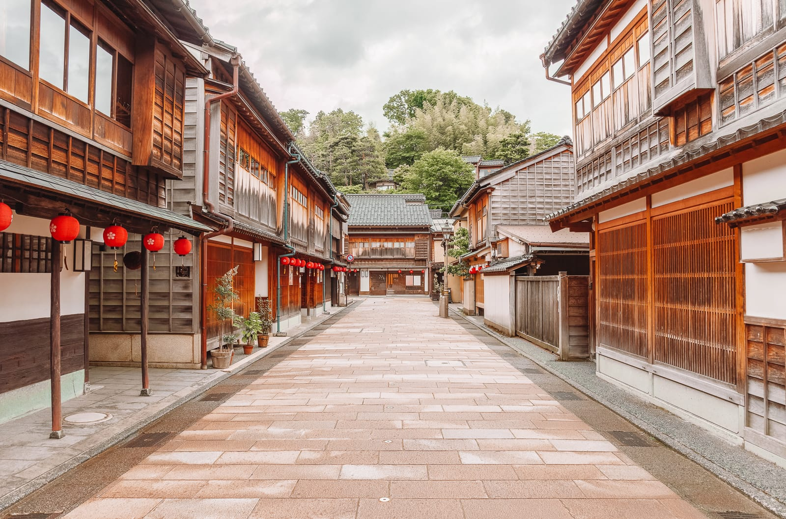 10 Best Towns And Cities To Visit In Japan (4)