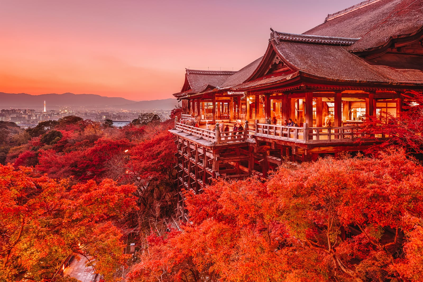 10 Best Towns And Cities To Visit In Japan (8)