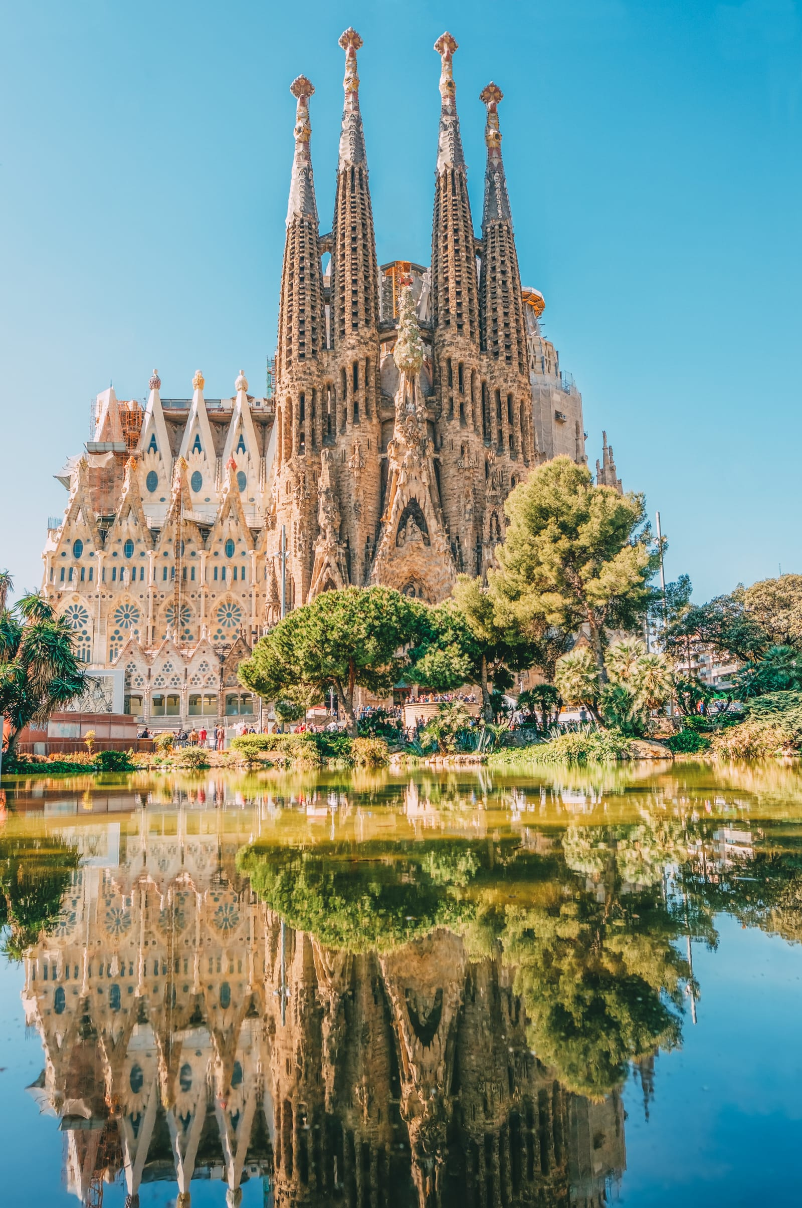 25 Best Things To Do In Barcelona, Spain (8)