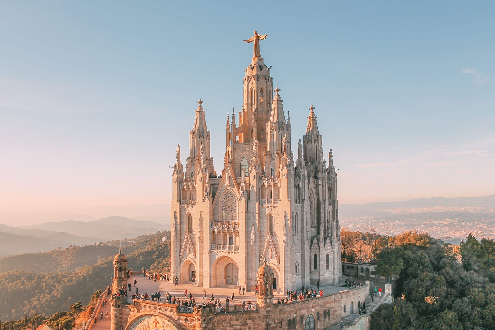 25 Best Things To Do In Barcelona, Spain | Away and Far