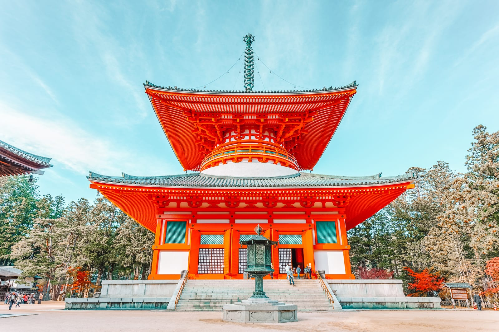 10 Best Towns And Cities To Visit In Japan (3)