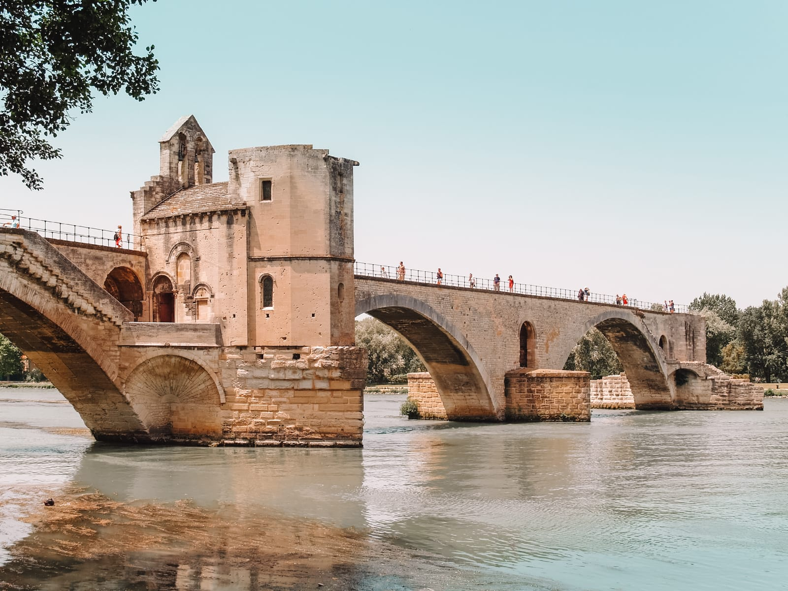 13 Best Things To Do In Avignon, France (13)