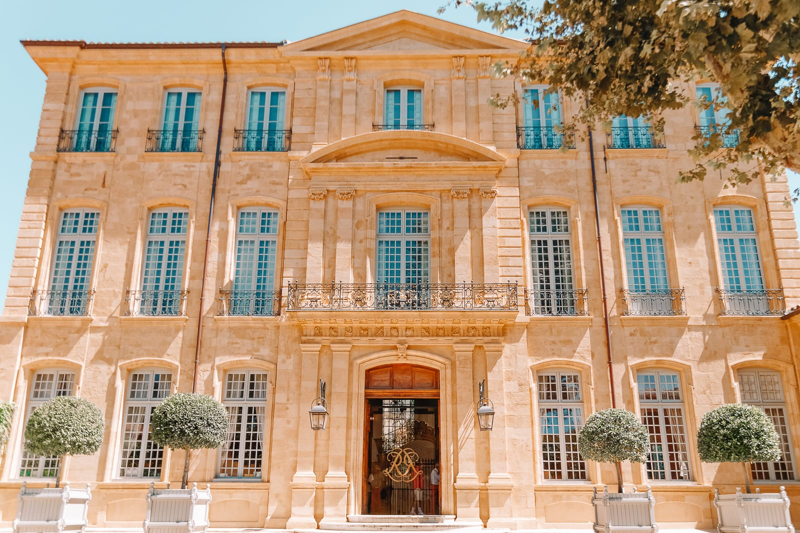 15 Best Things To Do In Aix-En-Provence, France (10)